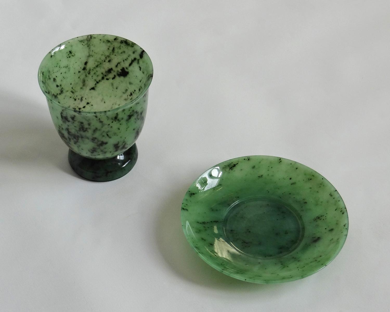 чашка с нефрита